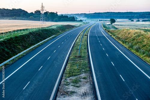 Obraz empty two lane road - fototapety do salonu