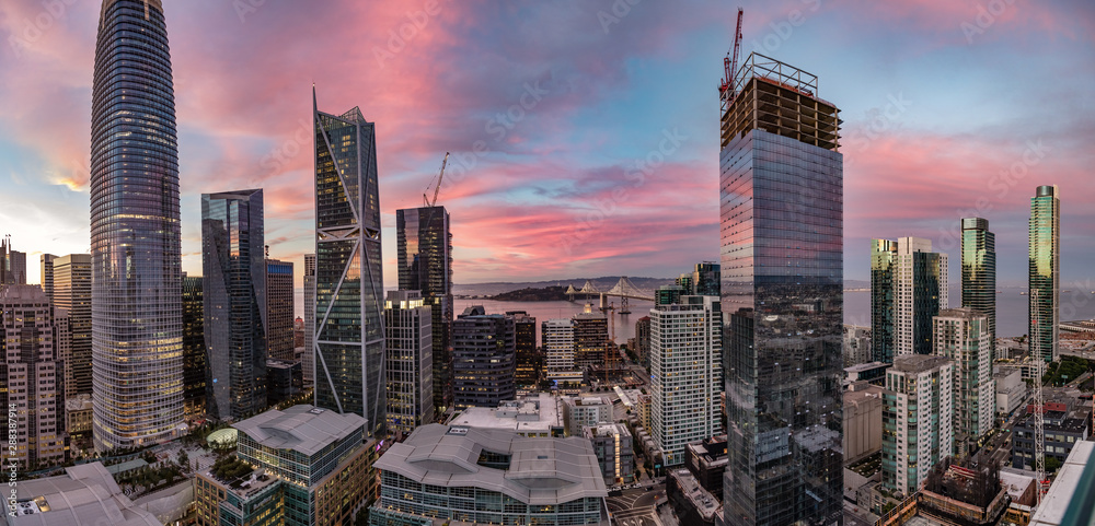Fototapety, obrazy: Dramatic pink, blue and purple sunset of the San Francisco skyline with the bay bridge in the center
