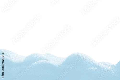 Fotomural A large beautiful snowdrift isolated on white background