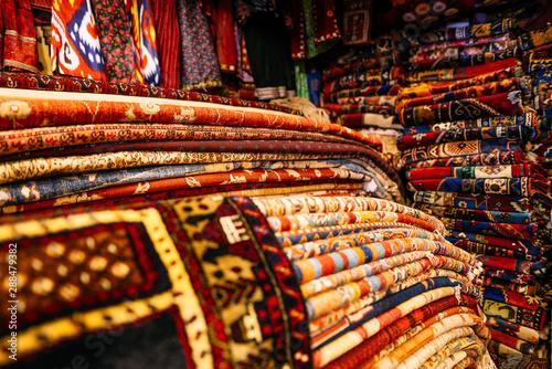 Photo Cappadocia. colorful carpet shop in Goreme, Anatolia, Turkey