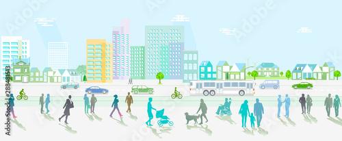 Stadt mit Straßenverkehr undFußgänger auf den Gehweg - 288481513
