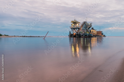 offshore platform on Ladoga lake Canvas-taulu