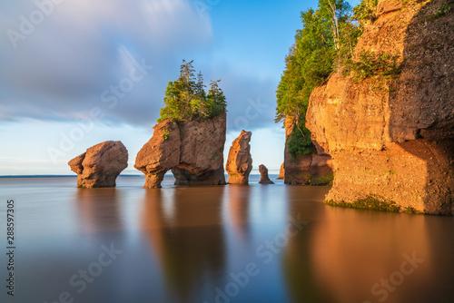Obraz Hopewell Rock, New Brunswick, Canada - fototapety do salonu