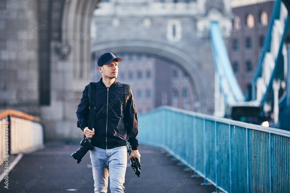 Fototapety, obrazy: Photographer in the city