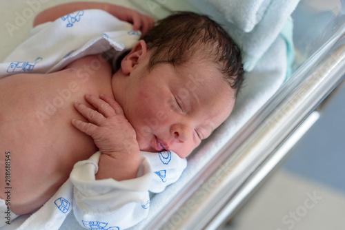 Bebe recien nacido Canvas-taulu