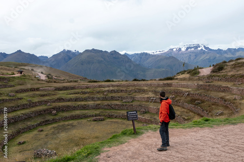 Carta da parati Young male tourist traveling alone in Sacred valley
