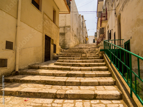 Fototapety, obrazy: Picturesque street in Ginosa, Apulia, south Italy