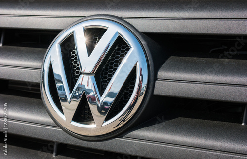 Fototapeta AACHEN, GERMANY MARCH, 2017: Volkswagen VW plate logo on a car grill