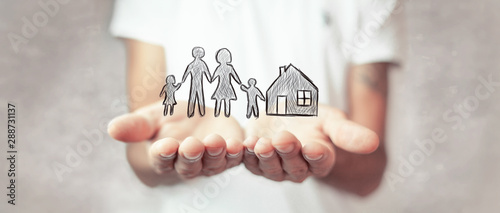 Fotografia  Family care and protection insurance concept