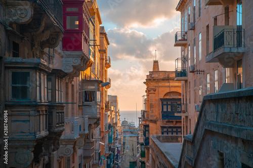 Foto auf AluDibond Altes Gebaude Malta, Valletta streets