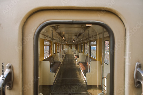 Papel de parede  Interior of an empty retro car of a 1935 subway train