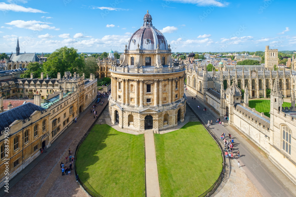 Fototapeta The city of Oxford with the Radcliffe Camera and All Souls College