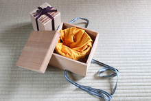 Kiri-bako, Japanese Paulownia Wood Box For Old Pottery Tea Cup And Tea Utensils