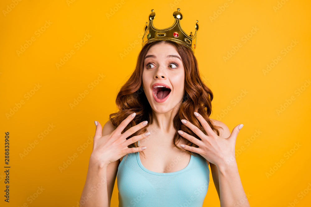 Fototapety, obrazy: Photo of foxy lady nominated as college celebrity wear big golden headwear and tank-top isolated yellow background
