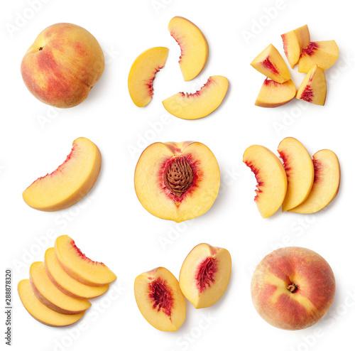 Fotografia Set of fresh whole and sliced peach fruit