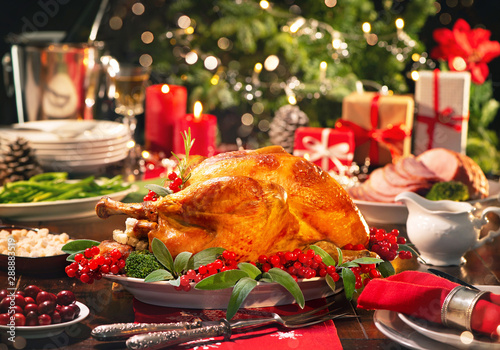 Christmas turkey dinner - 288883519