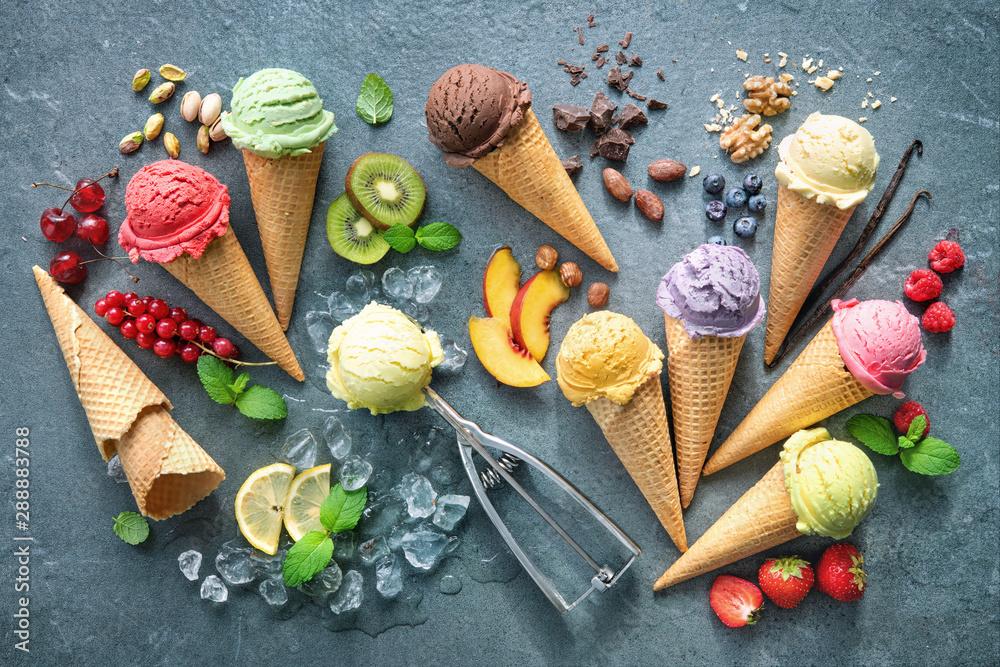 Fototapety, obrazy: Various varieties of ice cream in cones