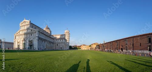 Obraz na plátně people visit famous piazza del miracoli in Pisa, Tuscany
