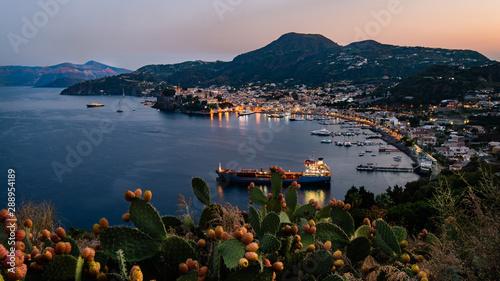Foto auf AluDibond Südeuropa Lipari - Hafen Marina Lunga im Sonnenuntergang