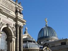 Kunstakademie Dresden, Details
