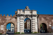 Porta San Giovanni A Gate In T...