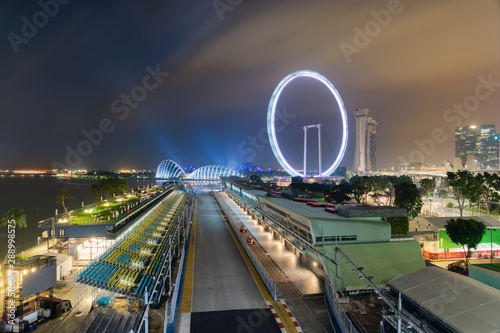 Photo sur Toile F1 Singapore Formula One Circuit and cityscape at night
