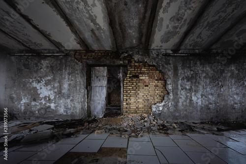 Fotografía  Abandoned and damaged building wall