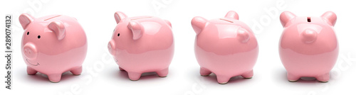 Fotografia Pink piggy bank isolated on a white background