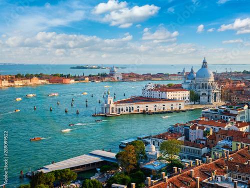 Photographie  View of Venice lagoon and Santa Maria della Salute. Venice, Italy