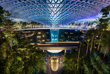 The Jewel At Changi Airport, W...