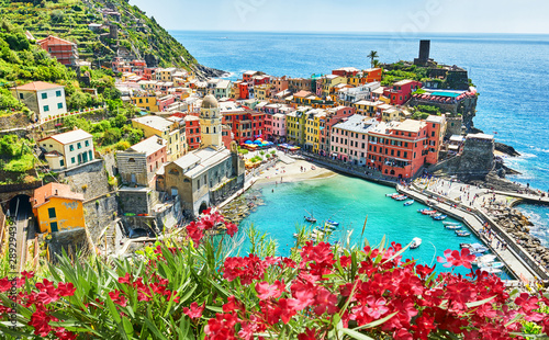 Photographie  Vernazza - One of five cities in cinque terre, Italy