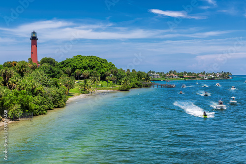 Beautiful view of the West Palm Beach County and Jupiter lighthouse at sunny sum Canvas-taulu