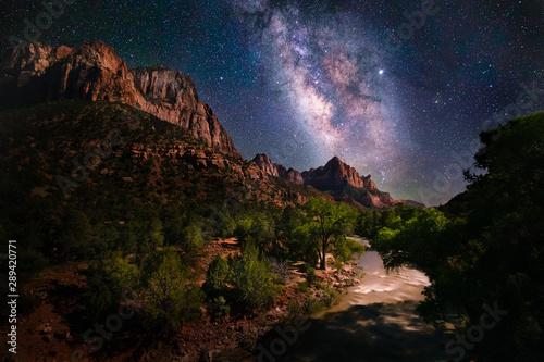 Obraz Night scene of the Milky Way and stars at Zion National Park - fototapety do salonu