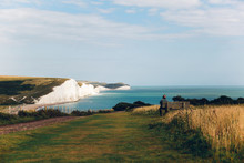 Seven Sisters White Cliffs Near Newhaven Harbour En England.