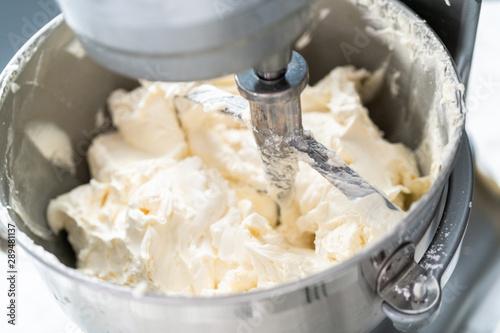 Buttercream frosting Tableau sur Toile