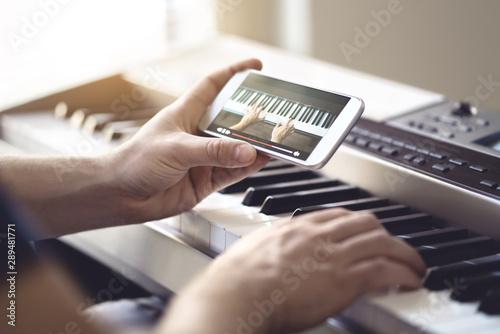 Cuadros en Lienzo  Piano lesson online