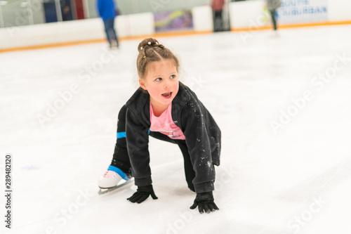 fototapeta na lodówkę Ice skating
