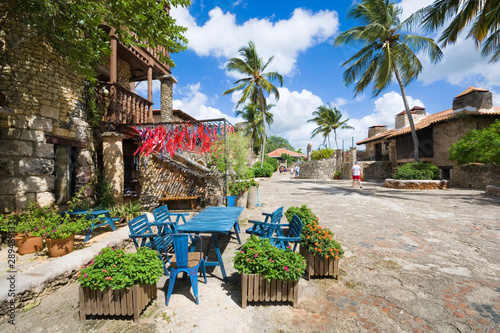 Foto auf AluDibond Altes Gebaude Architecture of ancient village Altos de Chavon, re-created sixteenth-century Mediterranean style village, La Romana, Dominican Republic