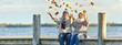 canvas print picture - aktive lebensfrohe Senioren im Herbst