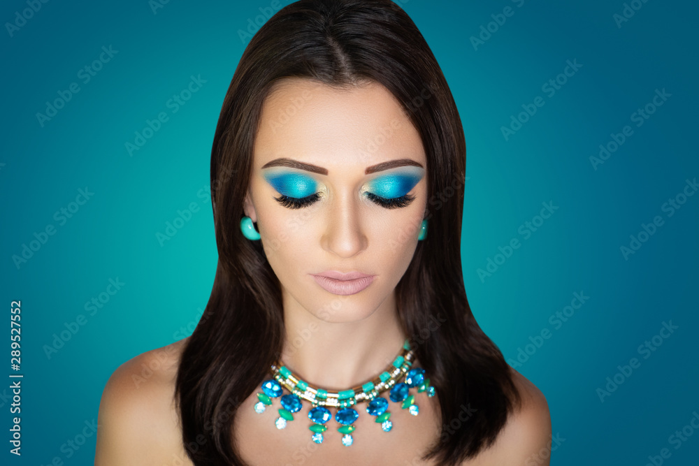 Fototapety, obrazy: woman with massive blue accessory