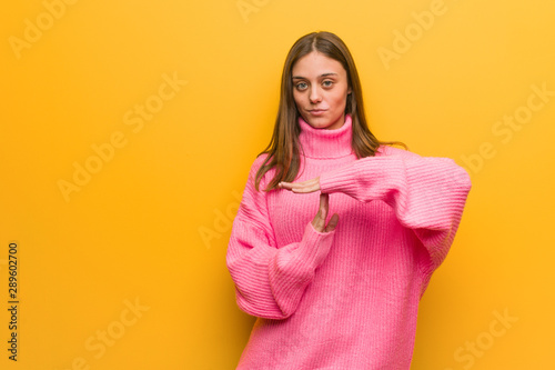 Young modern woman doing a timeout gesture Canvas-taulu
