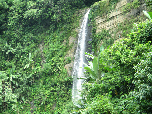 Photo  waterfall in forest, Madhobkundo water falls