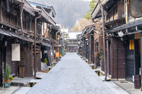 takayama-old-town-with-snow-falling-in-gifu-japan