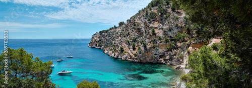 Poster de jardin Europe Méditérranéenne Panorama of Mediterranean Sea turquoise bay rocky mountains in Cala Blanca Andratx, Mallorca, Spain