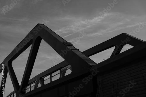 Türaufkleber Darknightsky Bridge construction