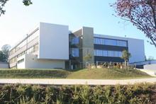 Schulgebäude, Schulhaus, Schu...
