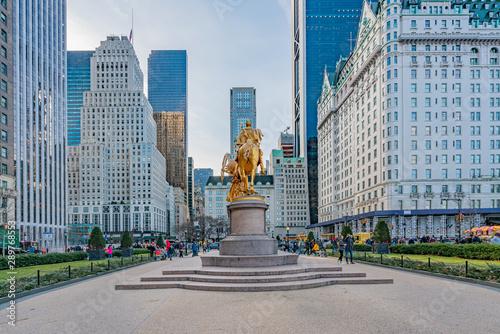 Fototapeta  New York City, NY, USA - December, 2018 - William Tecumseh Sherman Memorial are outdoor sculptures of William Tecumseh Sherman and Victory by Augustus Saint-Gaudens, at Grand Army Plaza