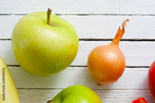 Foto auf Leinwand Texturen fruits and vegetables on white wood table