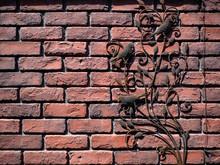赤煉瓦と小鳥のオーナ...