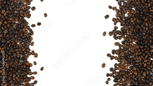 Papiers peints Salle de cafe Coffee beans. Isolated on a white background.